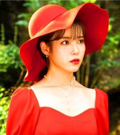 Iu Fashion, Korean Fashion, Iu Twitter, Korean Accessories, Size Zero, Pretty Men, Red Hats, Hats For Men, Korean Singer