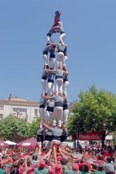 I don't know why they were doing that but it looks cool and I want to try it :)
