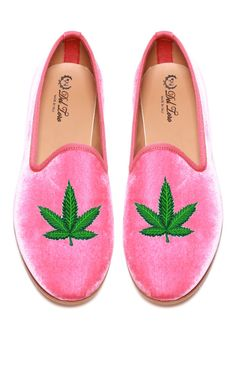 Del Toro Prince Albert Bubblegum Pink Velvet Slipper Loafers With Cannabis Leaf