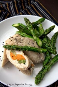 Dietetyczne roladki z piersi kurczaka Salmon Burgers, Meat, Chicken, Cooking, Ethnic Recipes, Fitness, Food, Kitchen, Essen