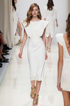 Valentin Yudashkin Spring 2014 Ready-to-Wear Collection Slideshow on Style.com