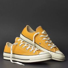 Mode Converse, Converse Sneakers, Converse All Star, Converse Chuck Taylor, Cute Shoes, Me Too Shoes, Fashion Boots, Sneakers Fashion, Aesthetic Shoes