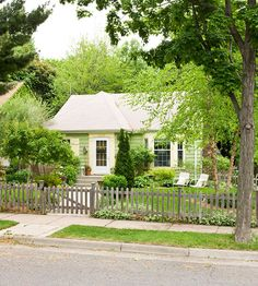 Quaint little house...love it. This house is adorable inside as well. Click to take a peek...