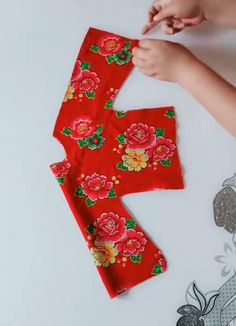 Sewing Basics, Sewing Hacks, Sewing Tutorials, Sewing Crafts, Barbie Clothes, Sewing Clothes, Sewing Lessons, Creation Couture, Clothes Crafts