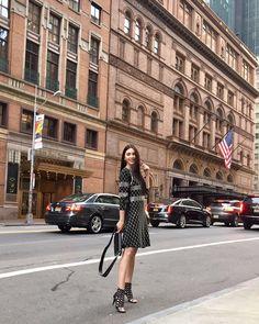"""Mỹ nữ """"Tình người duyên ma"""" tỏa khí chất sang chảnh ở Tuần lễ thời trang New York"""