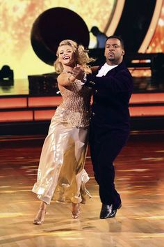 """Witney Carson and Alfonso Ribeiro dance quickstep to Beyoncé's """"Hey Goldmember"""" on season 19 of Dancing With the Stars."""