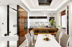 Apartament 50 m.kw w palisandrze - Średnia otwarta kuchnia jednorzędowa z wyspą…