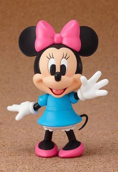 Mickey Mouse Nendoroid Minnie Mouse Non-Scale Painted Action Figure New / Bolo Mickey, Minnie Y Mickey Mouse, Mickey Cakes, Polymer Clay Projects, Clay Crafts, Sah Biscuit, Fondant Animals, Fondant Toppers, Good Smile