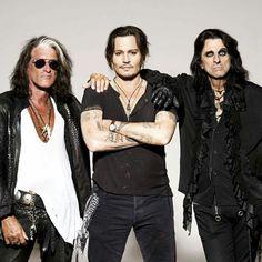 Hollywood Vampires 2015 age 52 and still HOT!!