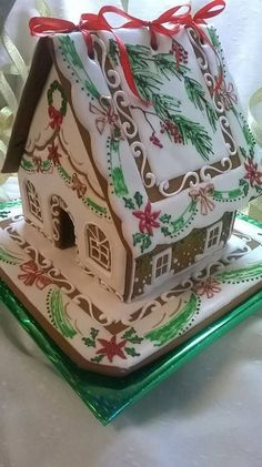 Gingerbread house with amazing hand-stenciled detail Gingerbread House Parties, Gingerbread Village, Christmas Gingerbread House, Christmas Sweets, Christmas Cooking, Christmas Goodies, Gingerbread Cookies, Holiday Fun, Christmas Time