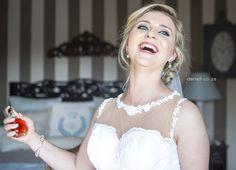 Best Wedding and Portrait Photographers Darrell Fraser South Africa Portrait Photographers, Wedding Venues, African, Wedding Dresses, Fashion, Wedding Reception Venues, Moda, Wedding Places, Bridal Dresses