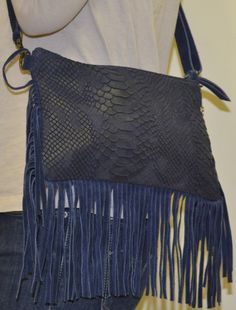Echa un vistazo a este producto en Yodetiendas.com:  Cartera de mano flecos Blanket, Shopping, Spring Summer 2015, Spring Fashion, Clutch Purse, Bangs, Hands, Purses, Totes