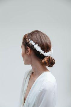 Blackbird's-Pearl-Bridal-gold-freshwater-pearl-boho-flower-wedding-headband