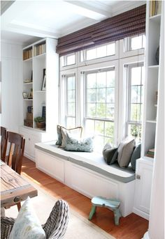 Love the bench + shelves !!