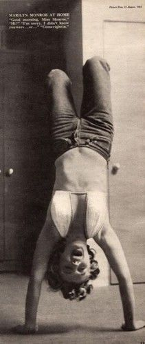 Marilyn Monroe keeping fit: Vintage photo of the Hollywood actress / sex symbol …. Marylin Monroe, Marilyn Monroe Photos, Jorge Guzman, Philippe Halsman, Divas, Norma Jeane, Steve Mcqueen, Old Hollywood, Hollywood Glamour