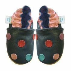 7fc3cc50037 Dotty Fish Leder Babyschuhe - rutschfest Wildledersohle – Baby Mädchen -  marineblau bunte Punkte - 0-6 Monate  Amazon.de  Schuhe   Handtaschen