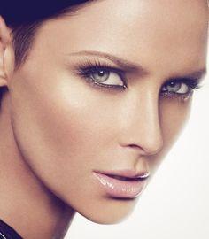 How to contour-cheekbones-makeup