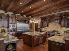 Kitchen of luxury home in San Diego, California Luxury Kitchens, Cool Kitchens, Rustic Kitchens, Mansion Kitchen, Tuscan Kitchen Design, San Diego, Open Plan Kitchen Living Room, Mediterranean Homes, Tuscan Homes