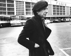 Leonard Cohen :: a living classic.