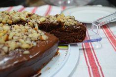 Bolo de chocolate com ganache e castanhas do pará #receita #vegana #vegetariana #vegan #vegetarianismo #veganismo