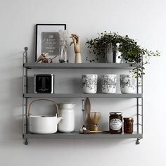 When teaching set design at Beckmans College of design in Stockholm, String Furniture's set designer Lotta Agaton gave her students the assignment to style a String Pocket. This is the work of Eva Torkelson. Kitchen Shelves, Kitchen Decor, String Pocket, String Regal, String Shelf, Deco Design, My New Room, Potpourri, Interiores Design
