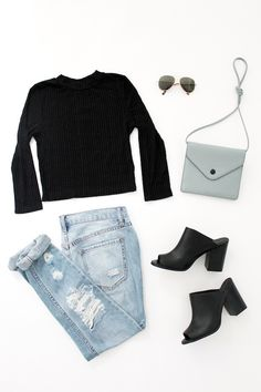 Le Fashion Easy Outfits Looks Summer To Fall Transitional Style Urban Outfitters Cropped Top Aviator Sunglasses Crossbody Bag Ripped Jeans Mule Heels