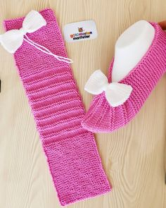 Knit Slippers Free Pattern, Baby Booties Knitting Pattern, Crochet Slipper Pattern, Easy Knitting Patterns, Knitted Slippers, Knitting Stitches, Knitting Designs, Knitting Socks, Baby Knitting