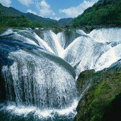 The Pearl Waterfall, in Sichuan, Jiuzhaigou, China