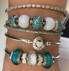 When you read the slogan of Pandora Jewelry you can read that this brand represents exclusive and timeless . Pandora Bracelet Pink, Pandora Beads, Pandora Jewelry, Bling Jewelry, Pandora Charms, Jewelry Accessories, Jewlery, Bridal Bracelet, Necklace Online