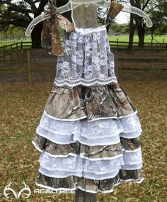 Realtree Camo Flower Girl Dress  #Realtreecamo #camoweddingdress