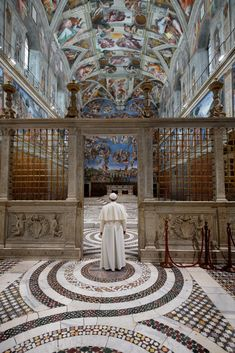 A Contemplative Moment Pope Francis makes a spontaneous visit to the Sistine Chapel, where Michelangelo painted one of his masterpieces, just after a Christmas Day address to the crowd in St. Photograph by Dave Yoder, National Geographic Papa Francisco, National Geographic, Le Vatican, Sistine Chapel, Place Of Worship, Michelangelo, Roman Catholic, Kirchen, Places