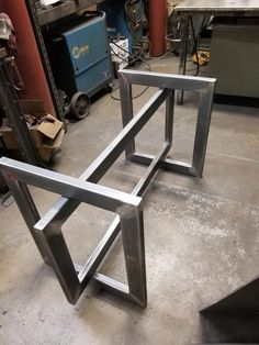 Table Base for Glass top. Welded Furniture, Iron Furniture, Steel Furniture, Living Furniture, Industrial Furniture, Rustic Furniture, Modern Furniture, Furniture Design, Modular Furniture