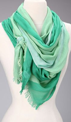 Ombre scarf // #mint #emerald #green