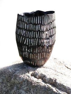 Brenda Holzke - gallery - indigenousbaskets stoneware with porcelain inlay