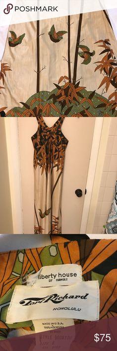 Vintage Tori Richards Hawaiian Dress 6 Vintage Tori Richards Liberty House. Size 6.  55 inches from top of strap to bottom hem  16 inches armpit to armpit Tori Richards Dresses Maxi