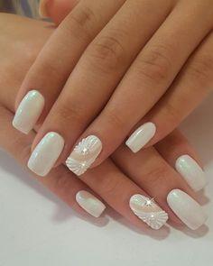 Perfect 40 Elegant Look Bridal Nail Art Ideas Natural Wedding Nails, Wedding Day Nails, Wedding Nails Design, Nail Polish Designs, Nail Art Designs, August Nails, Bridal Nail Art, Bride Nails, White Nail Art