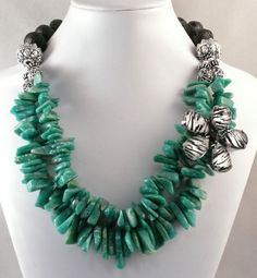 Wild Flower - Bead Style Magazine Community - Forums and Photo Galleries Natural Stone Jewelry, Flower Necklace, Beaded Flowers, Silver Beads, Handcrafted Jewelry, Natural Gemstones, Artisan, Jewelry Making, Jewels