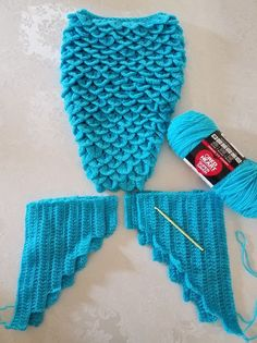 Crochet Purses Design Crochet Crocodile stitch Mermaid tail with double layer fins using Red Heart Turqua yarn. Crochet Mermaid Tail Pattern, Crochet Mermaid Blanket, Crochet Baby Cocoon, Baby Girl Crochet, Mermaid Tail Blanket, Crochet Crafts, Knit Crochet, Crochet Toys, Free Crochet