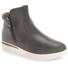 _13141491 Best Deal SeaVees  06/67 Monterey Sneaker Lunar (Mercury Silver) Women's Shoes