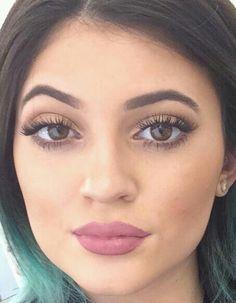 Kylie Jenner's Lips!  NYX lipliner #831 mauve with Rimmel London Kate moss lipstick #104