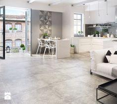 Współcześni designerzy kochają przestrzeń. W nowoczesnych mieszkaniach nikogo nie dziwi zatem jasna paleta barw, duże okna i surowe, nieco industrialne wzornictwo. Dzięki przejrzys ...