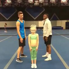 Them pants r fallin. Smacks her hands hard too Easy Cheerleading Stunts, Cool Cheer Stunts, Cheer Tryouts, Cheer Athletics, Competitive Cheerleading, High School Cheerleading, Team Cheer, Cheerleading Cheers, Cheer Coaches