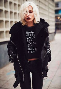 The Grunge Girl by Masha Sedgwick - Street Style 😎 Indie Outfits, Grunge Outfits, Cute Outfits, Teen Outfits, Hipster Outfits, Edgy Outfits, Batman Outfits, School Outfits, Work Outfits