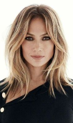 Hair, Hair cuts Hair cuts, Hair styles Hair styles, Medium hair styles - 9 Surprising Things That Affect The Way You Age - Hair Day, New Hair, Medium Hair Styles, Short Hair Styles, Jlo Short Hair, Hairstyles For Medium Length Hair With Layers, Mid Length Hairstyles, Long Layered Hair With Side Bangs, Mid Length Hair With Layers