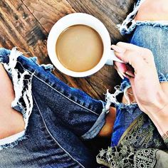 Where are my coffee drinkers at?!🙋🏽☕️ did you know more than HALF the world🌎 drinks coffee?! YEP! I have a pretty amazing product on my hands!🤗 Keto coffee: ➰burns fat ➰keeps you feeling full for HOURS ➰improves mental focus ➰elevates mood ➰boosts energy levels Message me if you'd like to try it with my special I have going on!♥️ 979-402-9397 🤳🏽