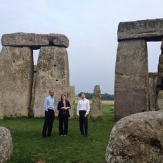 """""""It's spectacular."""" —President Obama at Stonehenge, his last stop on a trip to Estonia & the NATO Summit in the UK. pic.twitter.com/6CbmkJ09cf"""