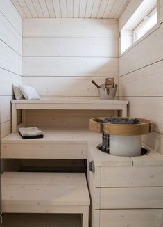 Cozy Sauna Shower Combo Decorating Ideas - Page 26 of 32 Home Steam Room, Sauna Wellness, Sauna Shower, Outdoor Sauna, Sauna Design, Finnish Sauna, Steam Sauna, Small Space Interior Design, Sauna Room
