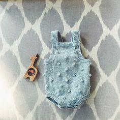 Made a little romper for a little Rosie! #knitting #knitstagram #paelasbabydrakt #paelas #popcornsuit #formyrosiegirl