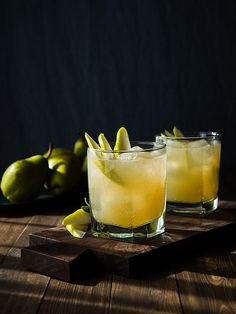 Saying yes to this sparkling pear ginger cocktail!