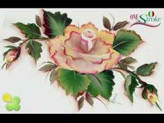 La rosa dipinta con la tecnica One Stroke Painting. Realizzata da Marzia Di Somma, Elite Director per l'Italia di Donna Dewberry.